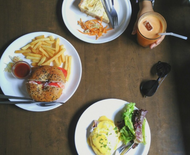 Breakfast at Bodega, Panjim