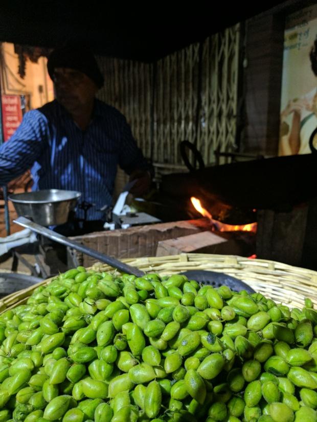 Roasted hara chana, Indore